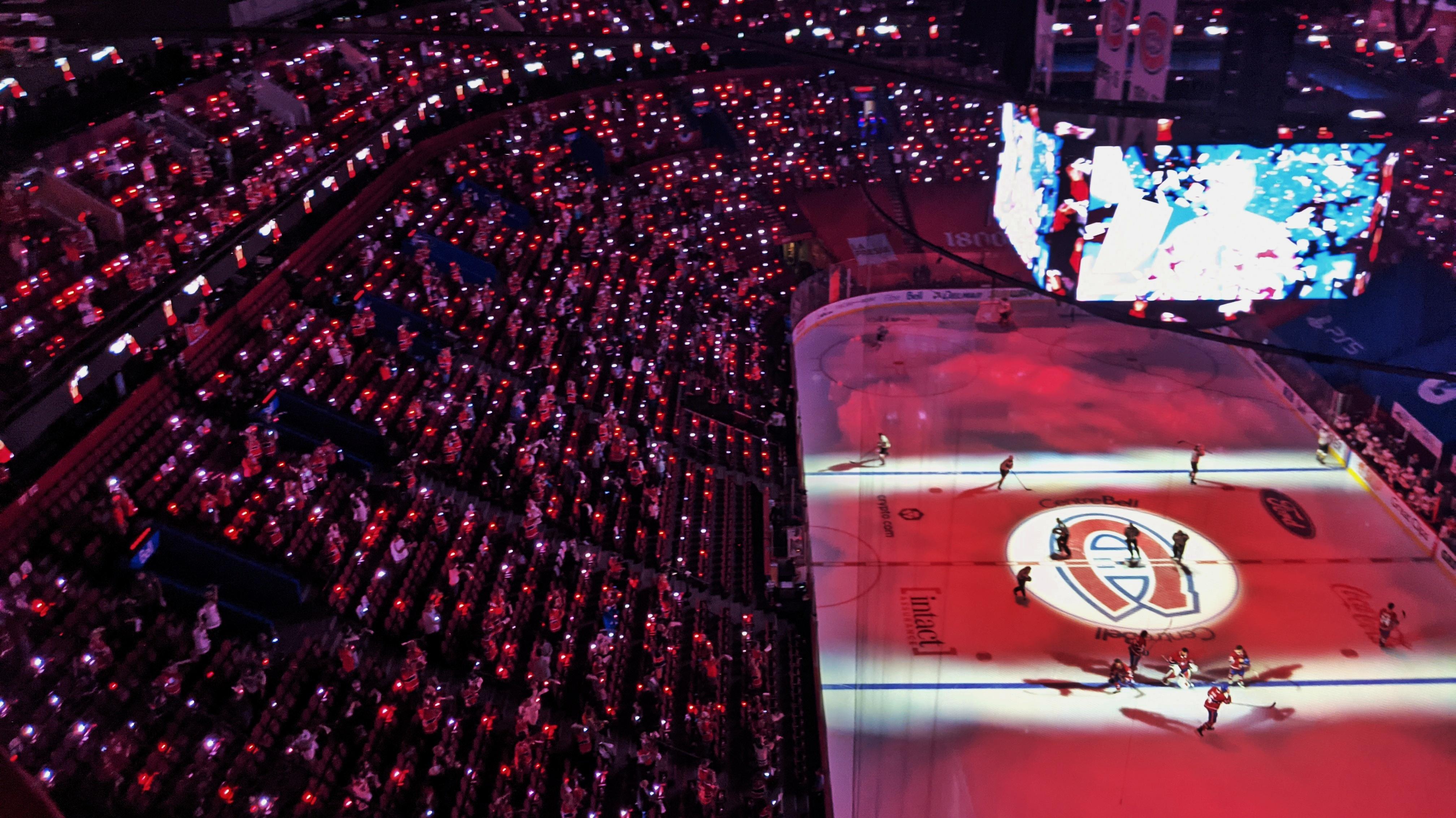 PixMob x Montreal Canadiens - Making 3,500 Feel Like 35,000
